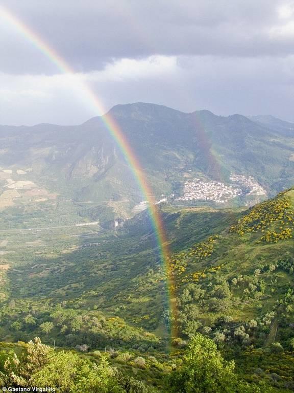Colobraro: Η «καταραμένη» πόλη της Ιταλίας - Δεν τολμούν να πουν ούτε το όνομά της! (pics)