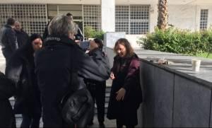 Στέλεχος της Χρυσής Αυγής αναγνωρίστηκε ως πρωτεργάτης της βίαιης επίθεσης κατά της δικηγόρου