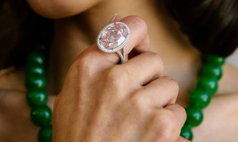 Χονγκ Κονγκ: «Στο σφυρί» με… εξωφρενική τιμή το διαμάντι Pink Promise (pic)