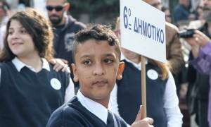 Επίθεση στο σπίτι του 11χρονου Αμίρ που είχε κληρωθεί να παρελάσει με την ελληνική σημαία (pics)