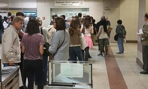 Ηλεκτρονικό εισιτήριο: Ψάχνουν ηλεκτρονική λύση στις «ουρές»