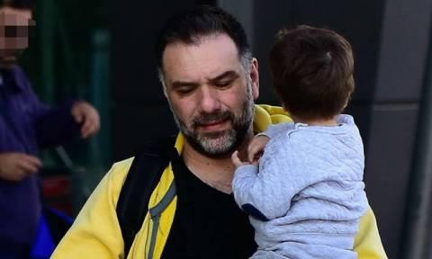 Αρναούτογλου: Η έκπληξη από τους συνεργάτες του που τον συγκίνησε και η έλλειψη του γιου του! (φωτό)