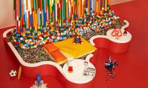 Υπάρχει ένα σπίτι στο Airbnb που είναι φτιαγμένο εξ ολοκλήρου από… LEGO