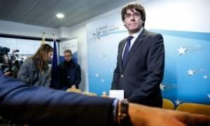Ραγδαίες εξελίξεις στην Καταλονία: Παραδόθηκε στις Βρυξέλλες ο Πουτζντεμόν