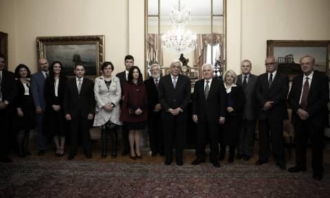 Προκόπης Παυλόπουλος: Η οικογένεια, θεμέλιο για την προαγωγή του έθνους (pics)