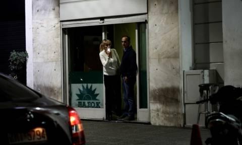 Πυροβολισμοί στα γραφεία του ΠΑΣΟΚ: Επικοινωνία Τσίπρα-Τόσκα