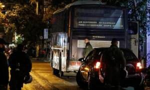 Επίθεση γραφεία ΠΑΣΟΚ: Αναζητούν μοτοσικλέτα με την οποία φέρεται να διέφυγε ο πιστολέρο