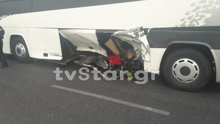 Στυλίδα: Σοβαρό τροχαίο με λεωφορείο γεμάτο επιβάτες – (ΠΡΟΣΟΧΗ - ΣΚΛΗΡΕΣ ΕΙΚΟΝΕΣ)