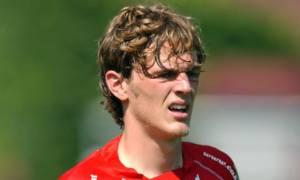 ΣΟΚ: Νεκρός ποδοσφαιριστής - Τον χτύπησε κεραυνός μπροστά στα μάτια της κοπέλας του