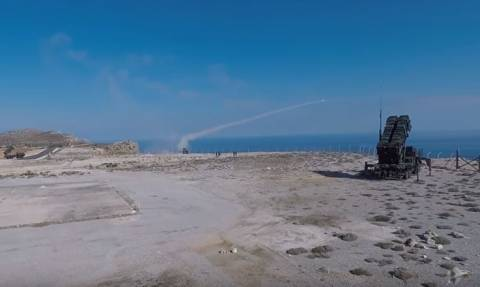 Κρήτη: Άσκηση με πυραύλους Patriot – Εντυπωσιακά πλάνα από την άσκηση Άρτεμης
