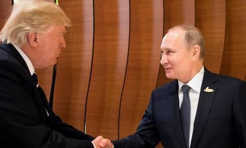 Λευκός Οίκος: Ο Τραμπ δεν πρόκειται να συναντηθεί με τον Πούτιν στο Βιετνάμ