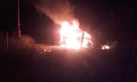 Φωτιά σε αυτοκίνητο στελέχους της Περιφέρειας Στερεάς Ελλάδας