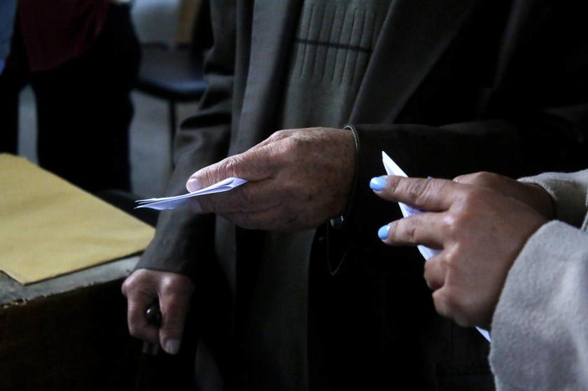 Εκλογές Κεντροαριστερά: Αγγίζει τις 50 χιλιάδες η συμμετοχή - Τι ώρα θα βγει το αποτέλεσμα