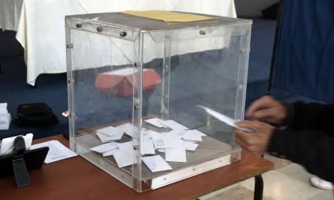 Εκλογές Κεντροαριστερά: Μεγάλη η συμμετοχή των πολιτών - Τι ώρα θα βγει το αποτέλεσμα