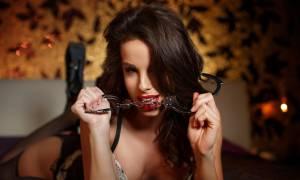 Οι 5 «πρόστυχες» ατάκες που εξιτάρουν μια γυναίκα!