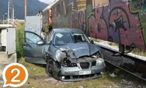 Ξάνθη: Σφοδρή σύγκρουση αυτοκινήτου με τρένο - Τραυματίστηκε η μητέρα, σώο το παιδί! (pics)