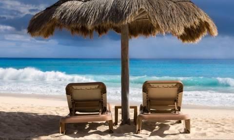 Η δουλειά των ονείρων σας: Διακοπές 6 μηνών με... μισθό 51.000 ευρώ στο Κανκούν!