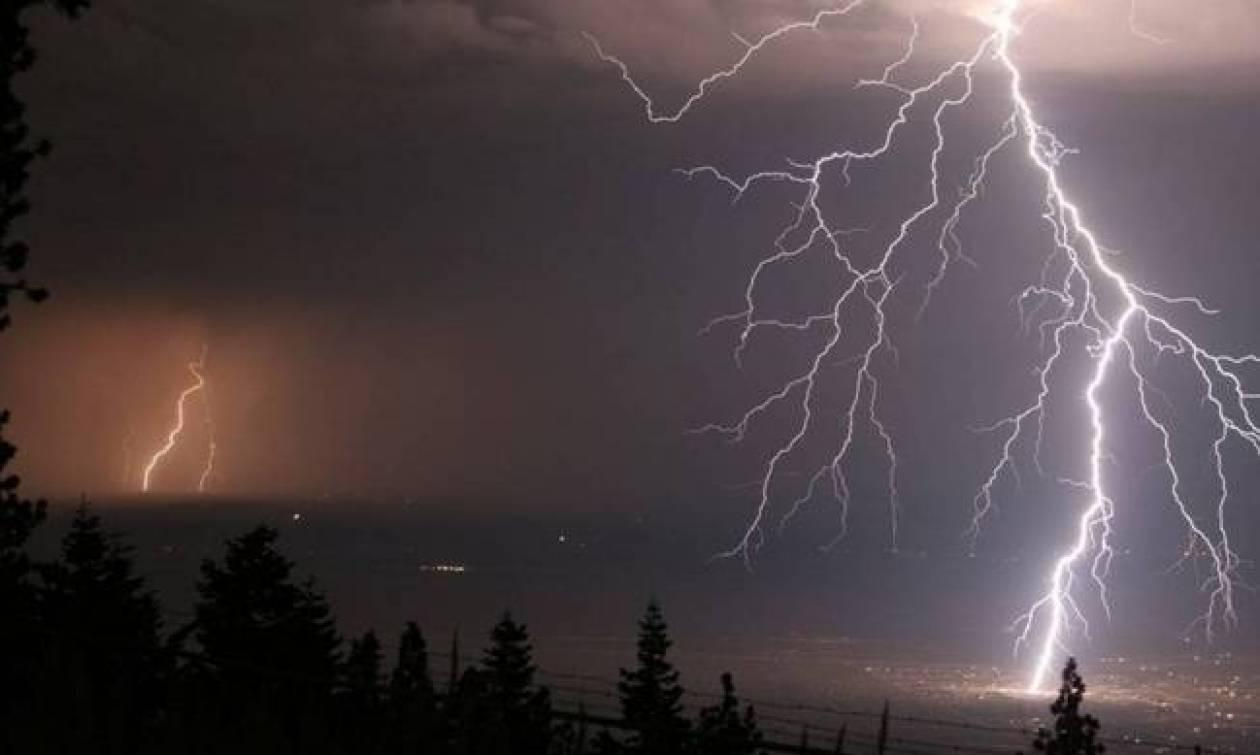 Καιρός τώρα: Έκτακτο δελτίο από την ΕΜΥ - Με βροχές και καταιγίδες η Δευτέρα (pics)