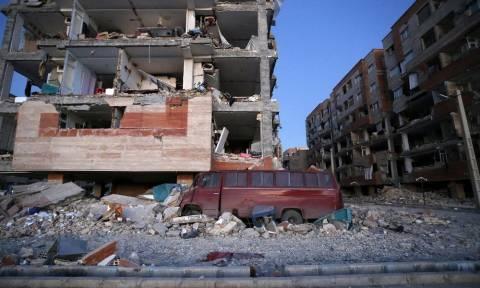 Εκατόμβη νεκρών σε Ιράν και Ιράκ από τα καταστροφικά 7,3 Ρίχτερ (pics+vids)