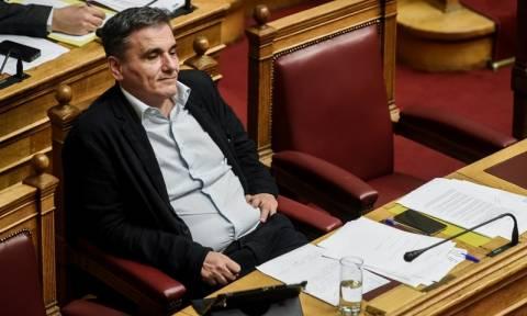 Τσακαλώτος: Να γίνει συζήτηση για την φορολογία στη Βουλή με αφορμή τα Paradise Papers