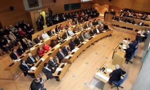 Θεσσαλονίκη: Σφοδρή αντιπαράθεση στο δημοτικό συμβούλιο για τον χριστουγεννιάτικο στολισμό
