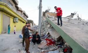 Σεισμός Ιράν-Ιράκ: Ανασύρουν συνεχώς νεκρούς από τα συντρίμμια - Χιλιάδες οι τραυματίες (vids)