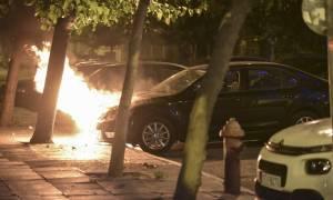 Γιατί αρπάζουν φωτιά εν κινήσει τα αυτοκίνητα στην Ελλάδα
