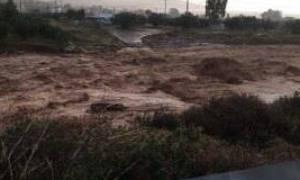 Αποκλειστικές εικόνες του Newsbomb.gr από τις πλημμύρες που «σαρώνουν» τη Νέα Πέραμο