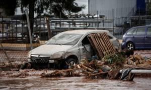 Φονική κακοκαιρία στη Δυτική Αττική: Δύο άνδρες και μια γυναίκα νεκροί από τις πλημμύρες στη Μάνδρα