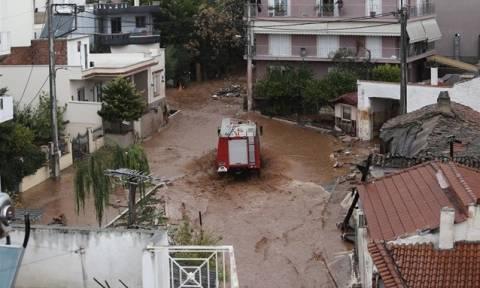 Πλημμύρες Μάνδρα - Νέα Πέραμος: Πάνω από 600 κλήσεις για βοήθεια στην Πυροσβεστική