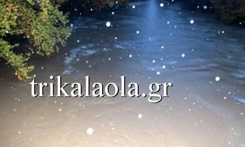 Κακοκαιρία: Συναγερμός στα Τρίκαλα – Υπερχείλισε ο Πηνειός (pics)