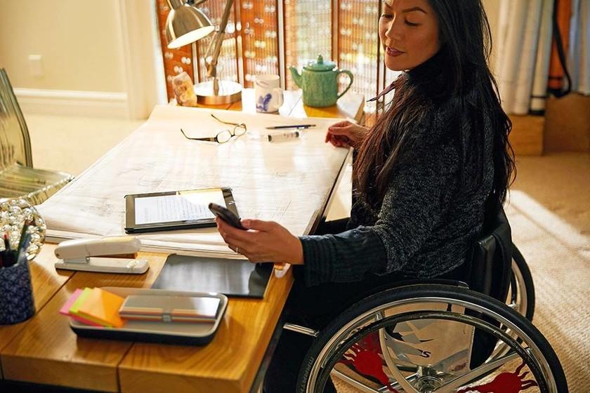 Αν είχες 4 εκ. δολάρια θα άλλαζες τις ζωές των ανθρώπων με παράλυση στα κάτω άκρα;( pics+vid)