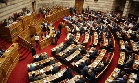 Βουλή: Ενός λεπτού σιγή στη μνήμη των θυμάτων των πλημμυρών