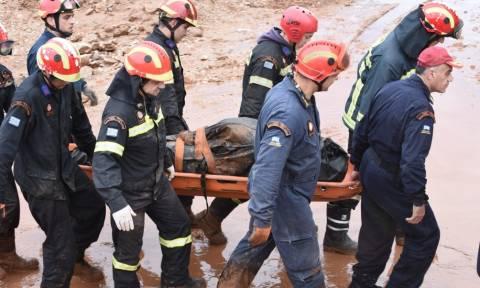 Θρήνος και απελπισία στις λάσπες: Αυτοί είναι οι 19 νεκροί από τις φονικές πλημμύρες