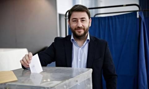 Εκλογές Κεντροαριστερά: Στην κάλπη ο Νίκος Ανδρουλάκης