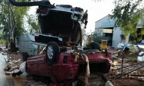 Αποκλειστικές φωτογραφίες του Newsbomb.gr: Εικόνες απόλυτης καταστροφής στη Μάνδρα