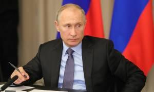 Путин подписал закон, расширяющий основания для отказа в валютных операциях