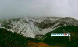 Καιρός: Στα λευκά «ντύθηκε» η Καλαμπάκα (pics)