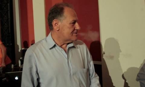Το τσιγάρο νίκης του Λαλιώτη… πάνω στο γραφείο της Φώφης Γεννηματά