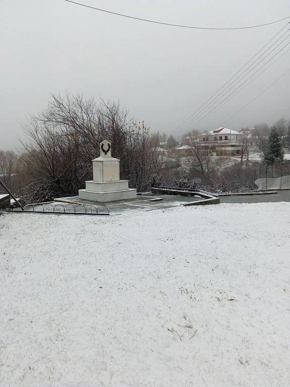 Καιρός: Χιονίζει ΤΩΡΑ στην Πάρνηθα - Δείτε LIVE εικόνα