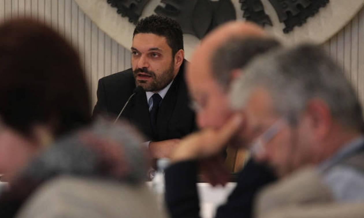 Τα τρία κυριότερα προβλήματα που αντιμετωπίζει το ΥΠΕΣ – Τι απαντά ο υπουργός στο NewsBomb