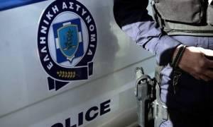 Τρόμος στη Γλυφάδα: Επιτέθηκε με μαχαίρι σε αστυνομικούς που τον σταμάτησαν για έναν απλό έλεγχο