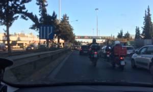Καραμπόλα τριών αυτοκινήτων στην Εθνική Οδό Αθηνών - Λαμίας - Ουρές χιλιομέτρων (pics)