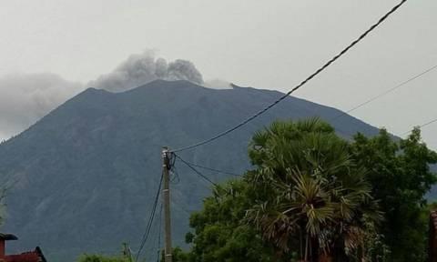 Συναγερμός στο Μπαλί λόγω του ηφαιστείου