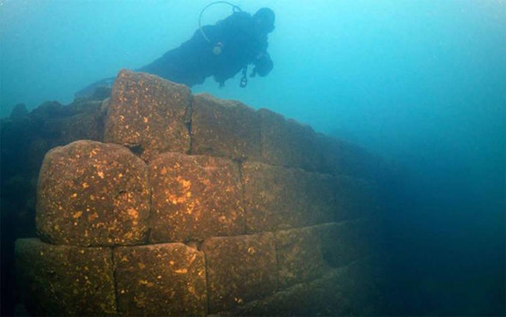 Σπουδαία ανακάλυψη σε λίμνη της Τουρκίας: Βρέθηκε η χαμένη Ατλαντίδα; (pics+vid)