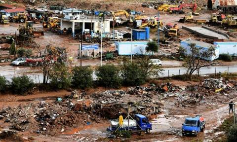 Πλημμύρες στη Δυτική Αττική: Αδιάκοπες προσπάθειες για να βρεθεί ο τελευταίος αγνοούμενος