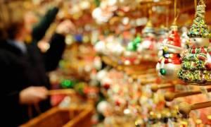 Εορταστικό ωράριο Χριστουγέννων 2017: Πώς θα λειτουργήσουν τα μαγαζιά έως την Πρωτοχρονιά