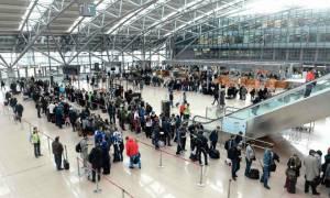 «Αλαλούμ» με τις πτήσεις από Ελλάδα προς Γερμανία – Περνούν από «ανάκριση» οι επιβάτες