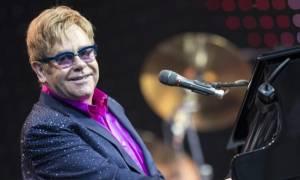 Έλτον Τζον: Μία εκκεντρική προσωπικότητα που ζει για να τραγουδά