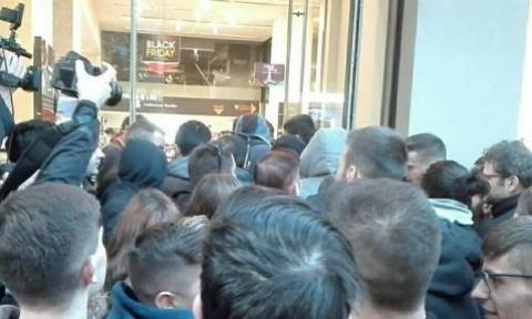 Black Friday και στη Θεσσαλονίκη: Δείτε τι έκαναν όταν άνοιξαν οι πόρτες καταστήματος (pics-vid)